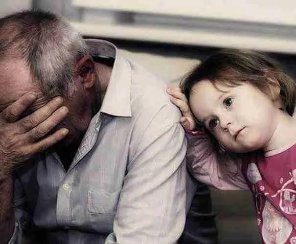 Δεν σταματούσε να φέρεται άσχημα στον ηλικιωμένο πάτερα του. Μέχρι που ο δικός του γιος, του έδωσε ένα μάθημα