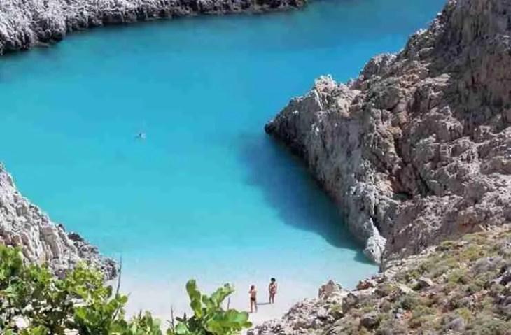 """Η ωραιότερη """"άγνωστη"""" παραλία της Ελλάδας που.. κοντράρει τον Παράδεισο!"""
