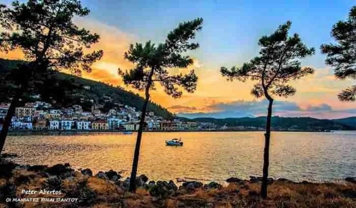 Ο πιο ρομαντικός προορισμός στην Πελοπόννησο είναι μια υπέροχη πόλη που θυμίζει.. νησί