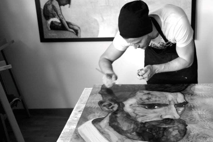 Beddru Art in his studio