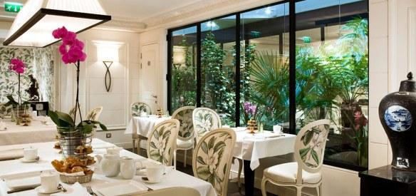 salón elegante decorado con estilo