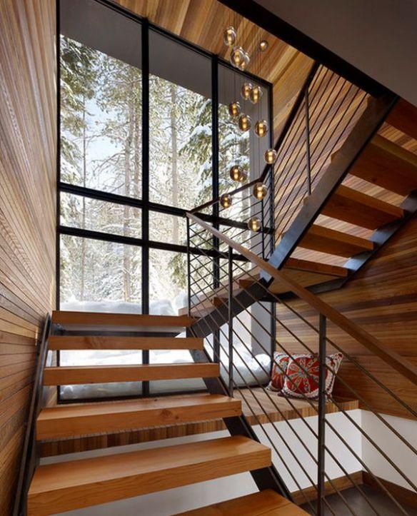 Bajo escaleras 4
