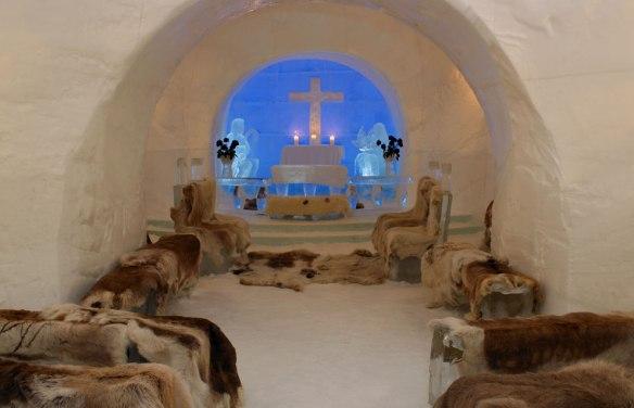 hotel de hielo, capilla