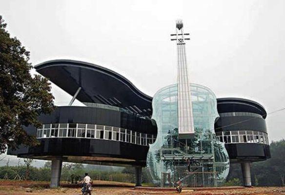 casas_originales_raras_piano