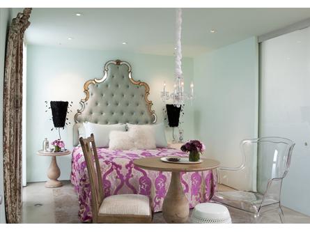 rosa glamour en habitacion