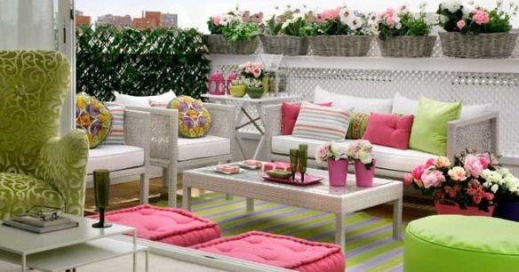 terraza rosa y verde