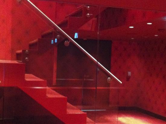 escalera-bano-hotel-andaz