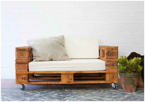 06-sofa-de-palets-almanzor-barniz