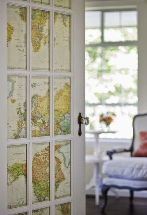 150827-7-proyectos-creativos-con-mapas-puerta