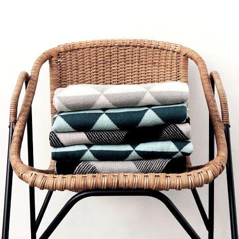 decorar-con-materiales-naturales-ferm-living-fibras