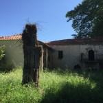 Foto: Holzkreuz im Klostergarten Moni Sidiroportas