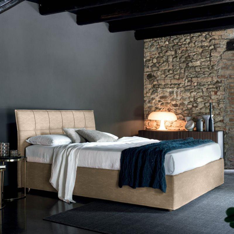 Idee per una camera da letto mediterranea con pareti bianche parquet chiaro e pavimento marrone. Idee Camera Da Letto Grigia Idee Arredamento 15 Foto Diotti Com