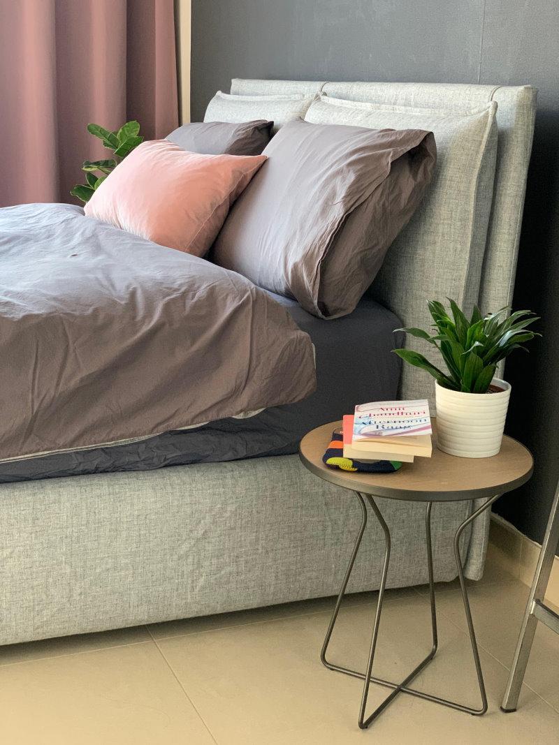 La giusta tipologia di arredo per la camera da letto è da scegliere a seconda delle proprie abitudini di riposo. Idee Camera Da Letto Grigia Idee Arredamento 15 Foto Diotti Com