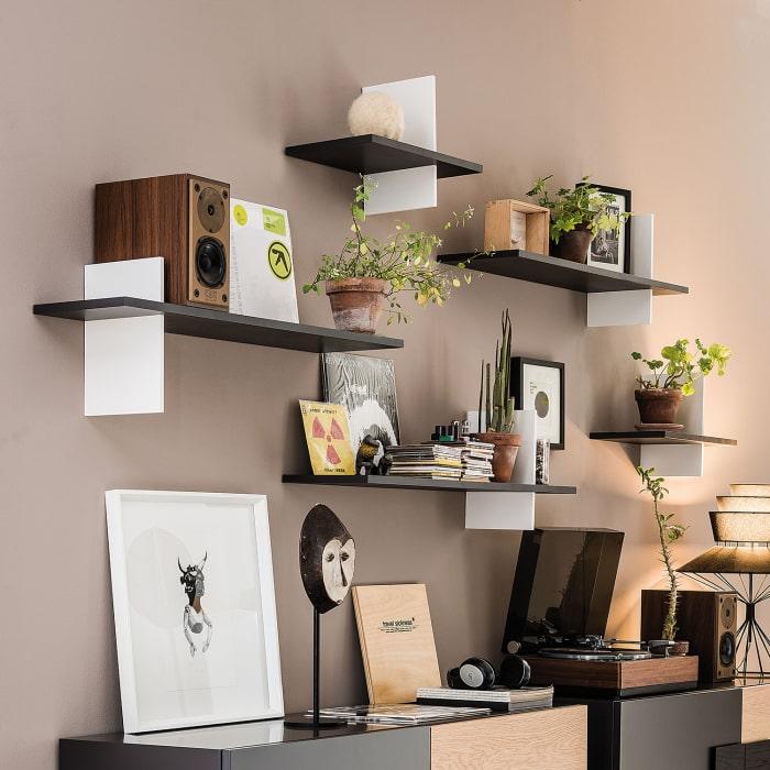 La comodità nel farci disporre gli oggetti più. Idee 73 Idee Per Arredare Le Pareti Del Soggiorno Diotti Com