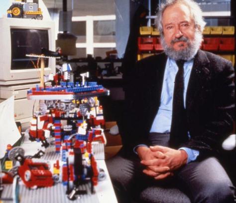 Papert con un Apple IIGS e i primi Lego Mindstorms
