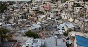 El plan pretende hacer frente a la multiplicación de barrios marginales y al déficit de viviendas. Foto de archivo: Julius Mwelu/ONU-Habitat