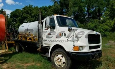1995 Ford Ford Lewisville with mixer and dual tanks