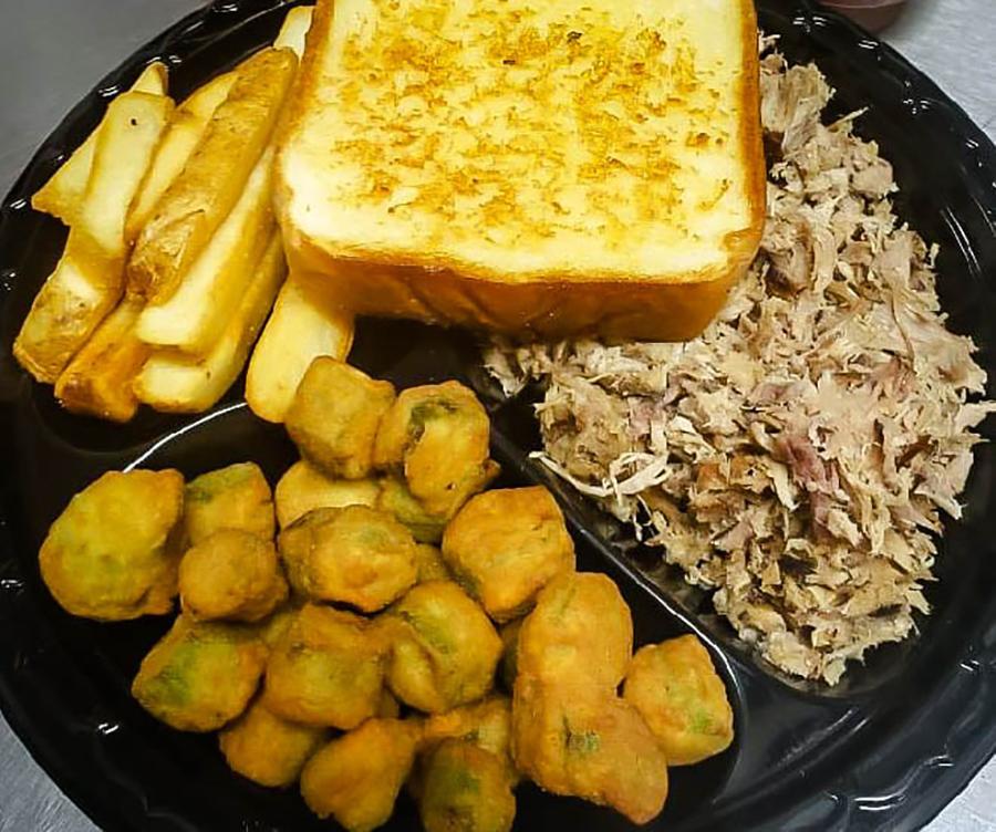 pulled chicken plate at Blue Ridge Mountain BBQ in Blue Ridge, Ga