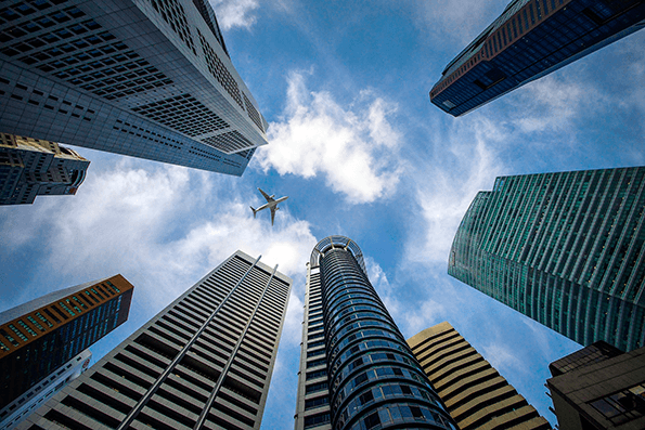 La riqueza de Singapursupera los 56.000 dólares por persona.