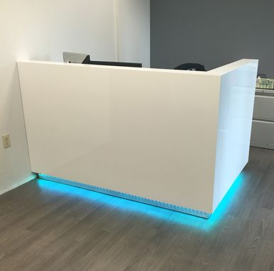 Dali Reception Desk With Optional Color Changing Led