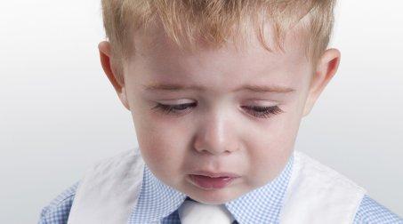 12640-nino-deprimido-o-nino-triste