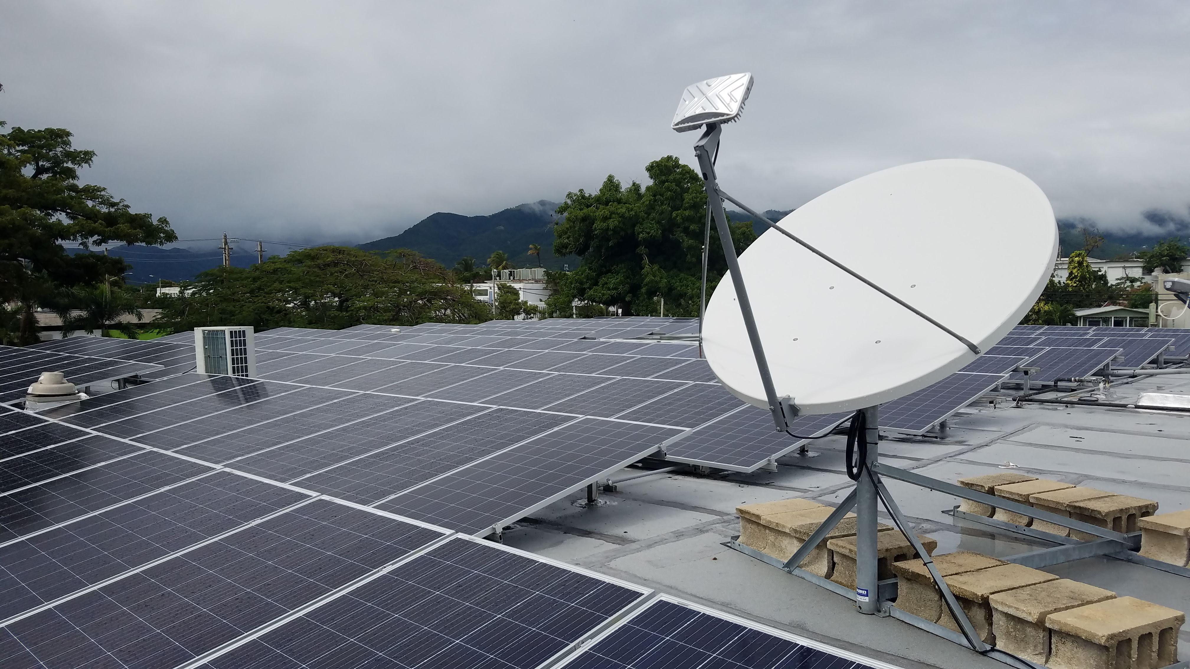 Está previsto que el sistema de energía solar y batería financiado por Direct Relief se ponga en marcha en el Centro de Salud Familiar en Arroyo, Puerto Rico durante la Temporada de Huracanes 2019 (Anna Carla Lopez-Carr/Direct Relief)