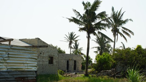 The neighborhood of Mescarehas Hospital, Mozambique (Noah Smith/ Direct Relief)