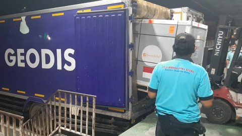 Medical aid from Direct Relief arrives in Indonesia on August 13, 2021 in response to the country's effort to stem the Covid-19 pandemic. (Courtesy photo)