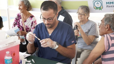 Thousands of people received flu shots Saturday as part of an island-wide vaccination campaign. (Tony Morain/Direct Relief)