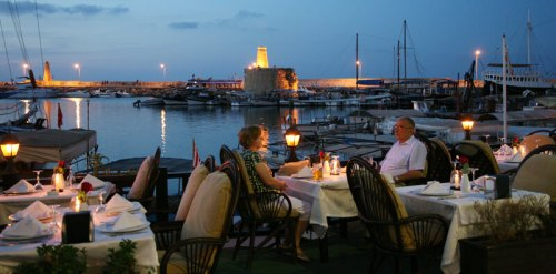 Couple relaxing in Kyrenia harbour - Kyrenia nightlife