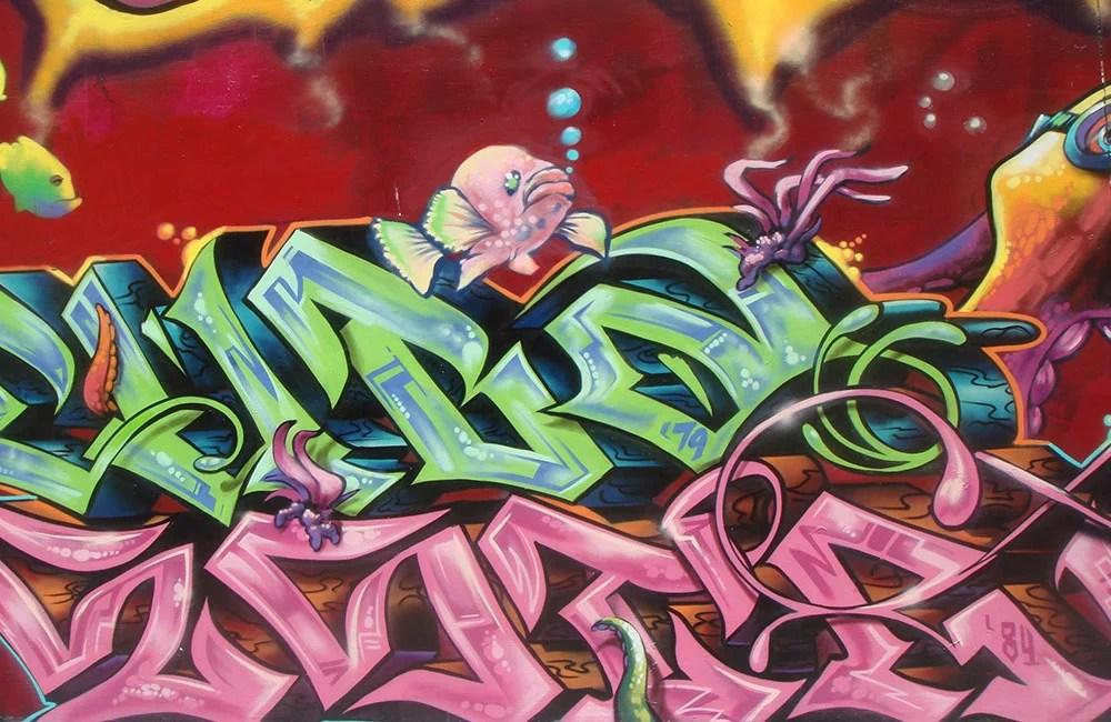 Graffito-Lettering-con-puppets