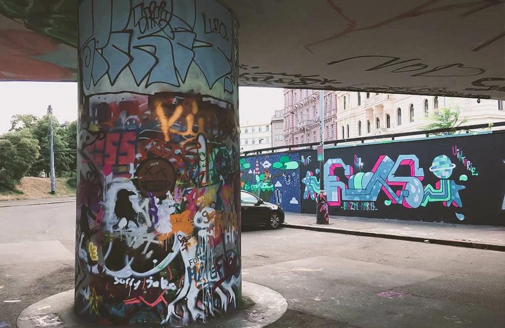 Street Art a Praga - Tesnov