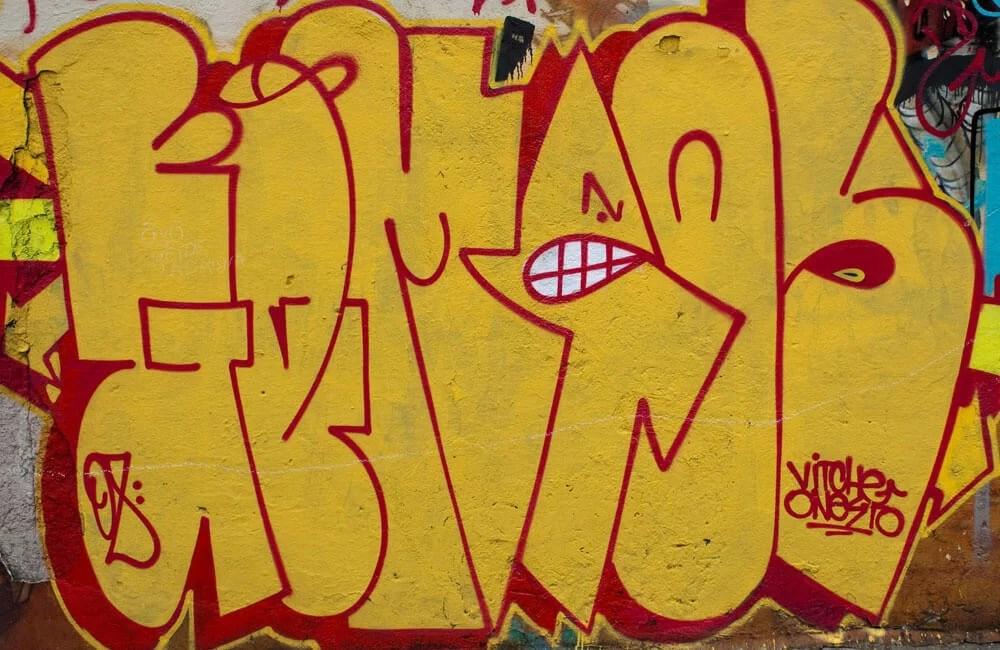OsGemeos---Old-School-Tag