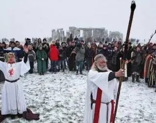 t1larg_druids_stonehenge_gi – Getty Image File – CNN