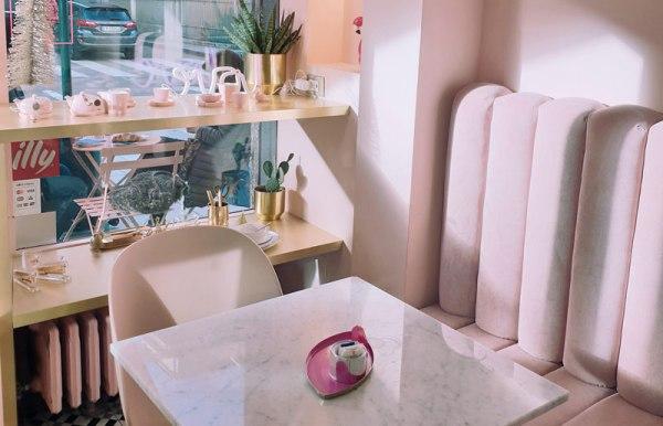 Un cafè tutto Rosa a Milano