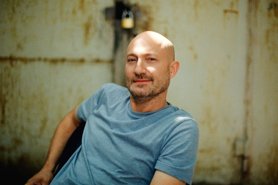 Il making of del video Parachute di Paul Kalkbrenner