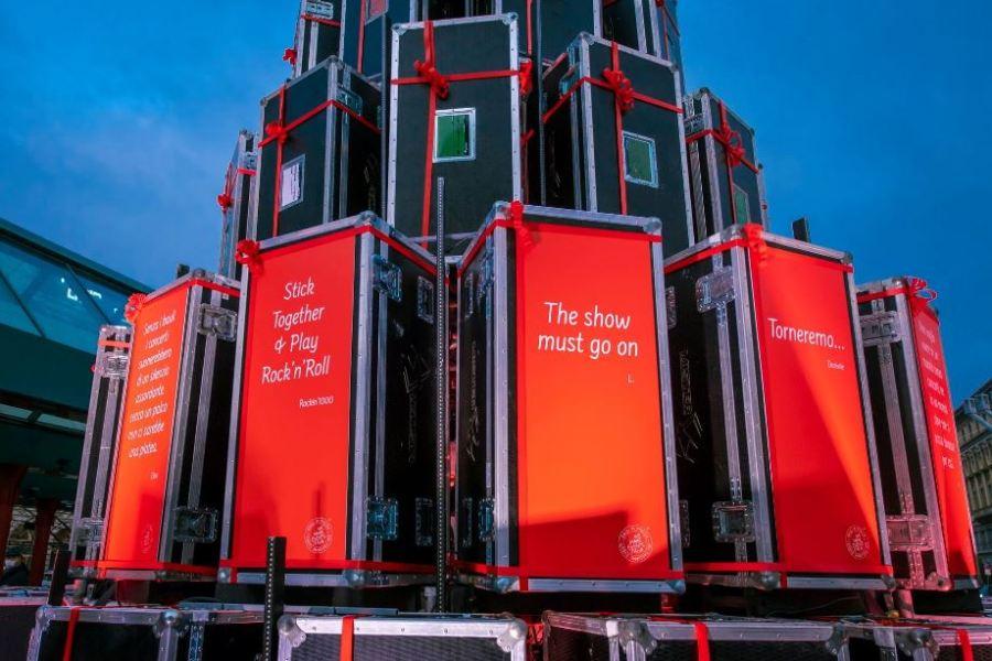 Dopo Milano, arriva a UDINE l'ALBERO DEI BAULI, simbolo dei lavoratori dello spettacolo