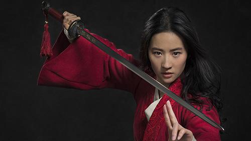 Mulan nel film live action Disney, previsto al cinema nel 2020 ma il Coronavirus ne ha fatto saltare la programmazione