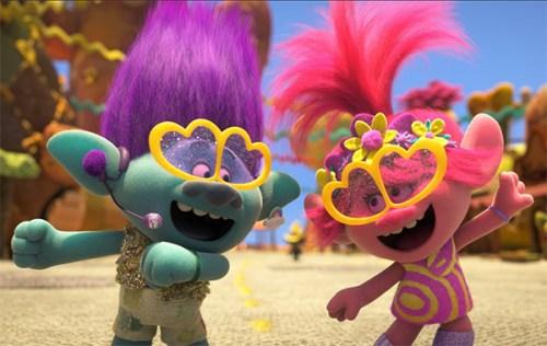 Anche Trolls World tour era previsto al cinema nel 2020, ma il Coronavirus ha fatto saltare i piani di Universal pictures