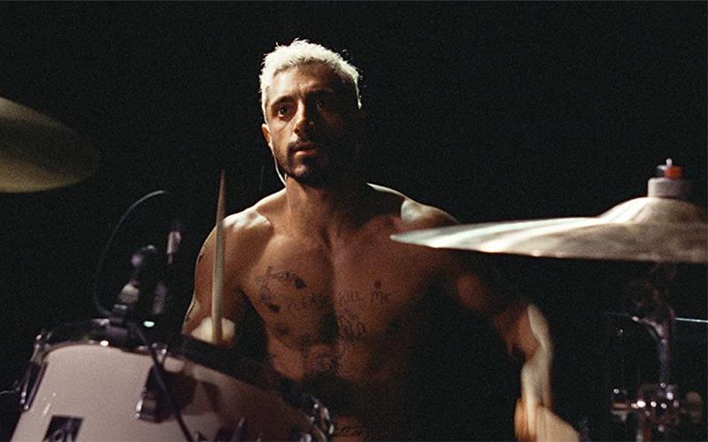 Riz Ahmed, che interpreta un batterista colpito da sordità in Sound of metal