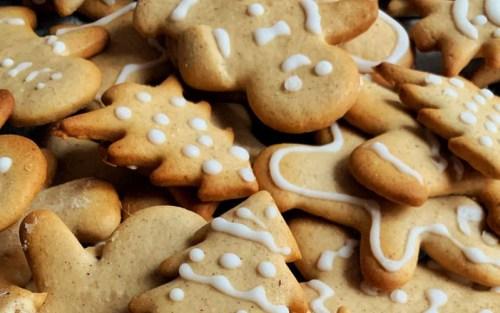 Biscottini di Natale, l'ideale per introdurre un articolo sulla scienza del pan di zenzero!