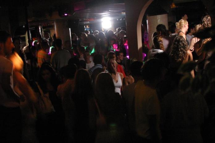 Discoteche , Locali e Serate per Giovedi 27 Giugno a Rimini e Riccione