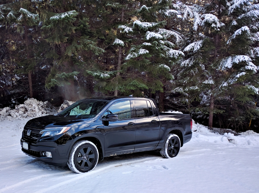 2017 Honda Ridgeline sideview out in snow