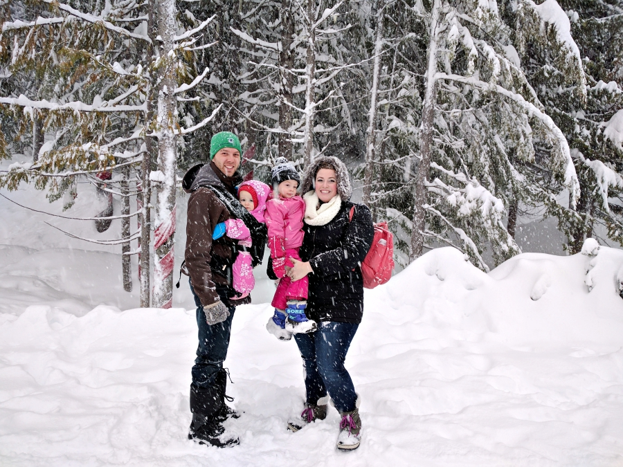 Go play outside: family photo in the snow