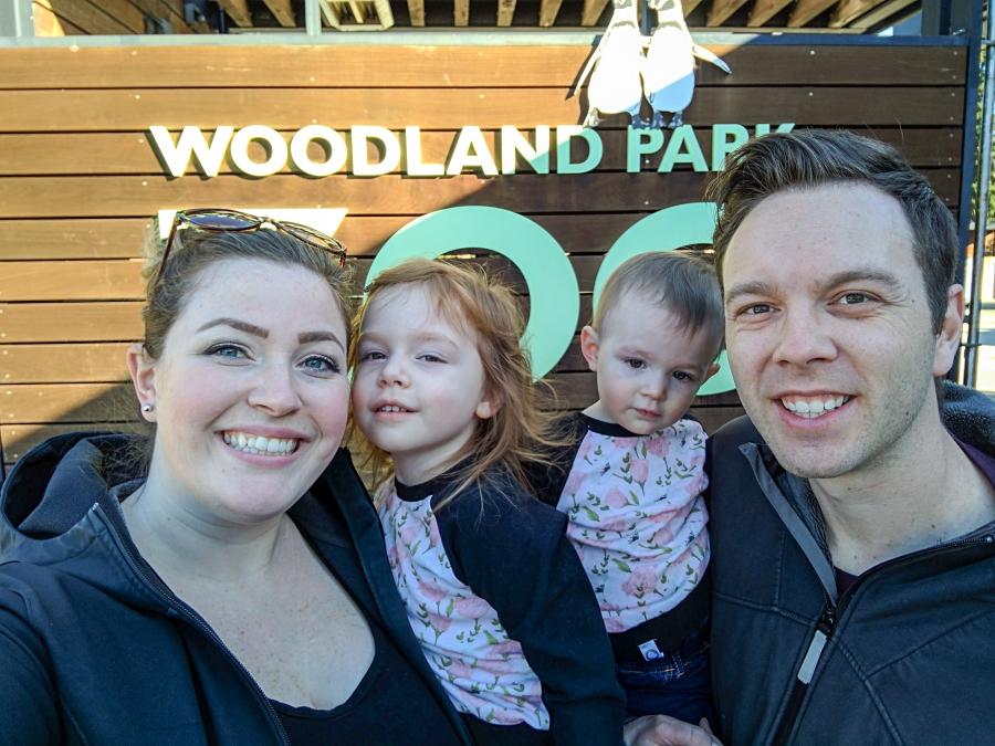 Family Day: Woodland Park Zoo, family photo at the zoo entrance