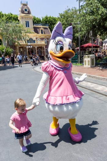 Main Street Disneyland, meeting Daisy Duck, Disney Bounding