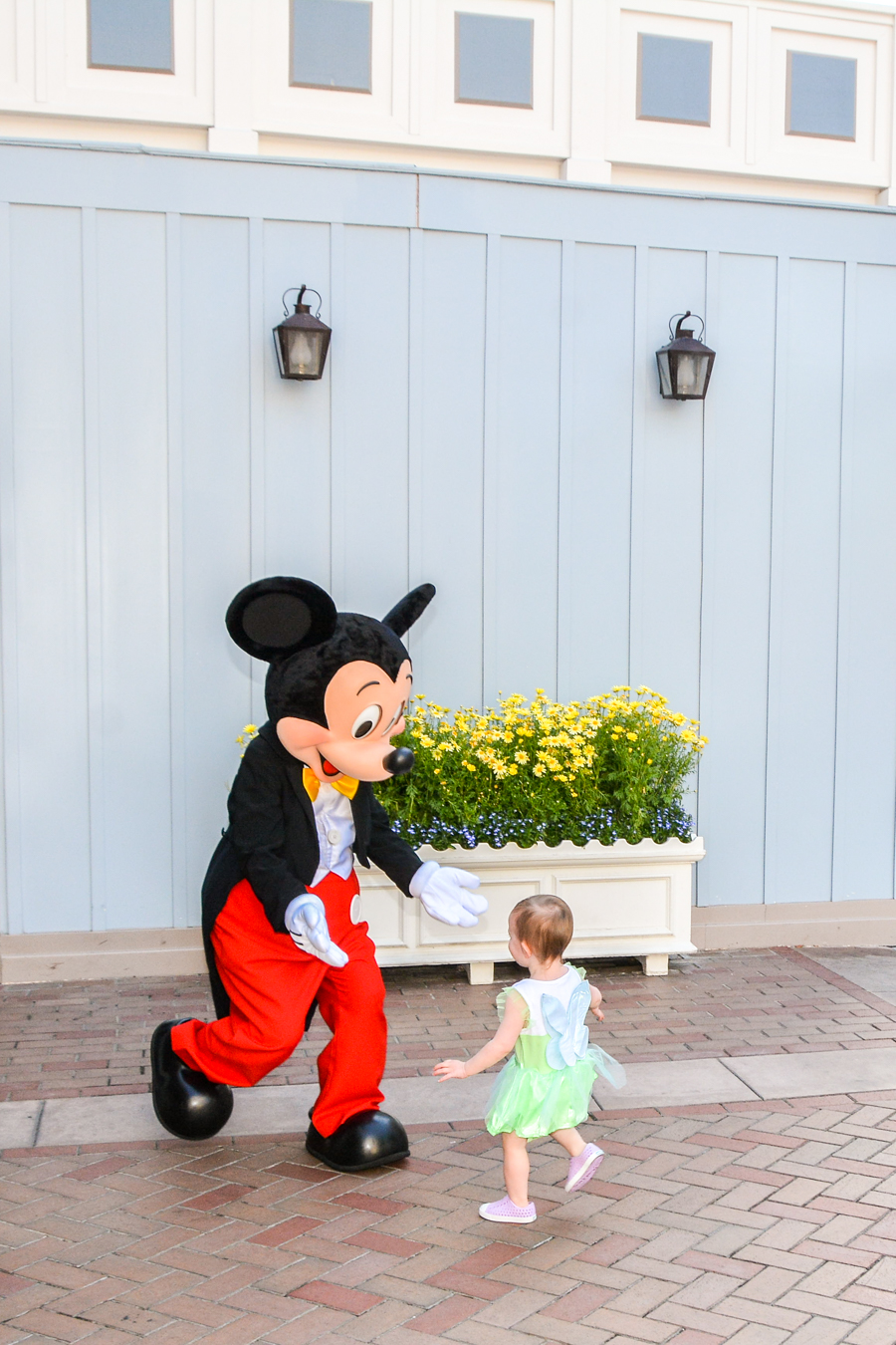 Disneyland with a toddler, meeting Mickey Mouse, Main Street Disneyland