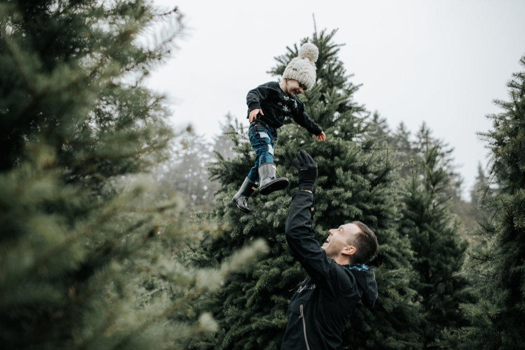 Finding a Christmas tree in Raincouver, searching for a Christmas tree, cutting down a Christmas tree, Fernridge Christmas Tree Forest, Vancouver, Langley, Tree Farm