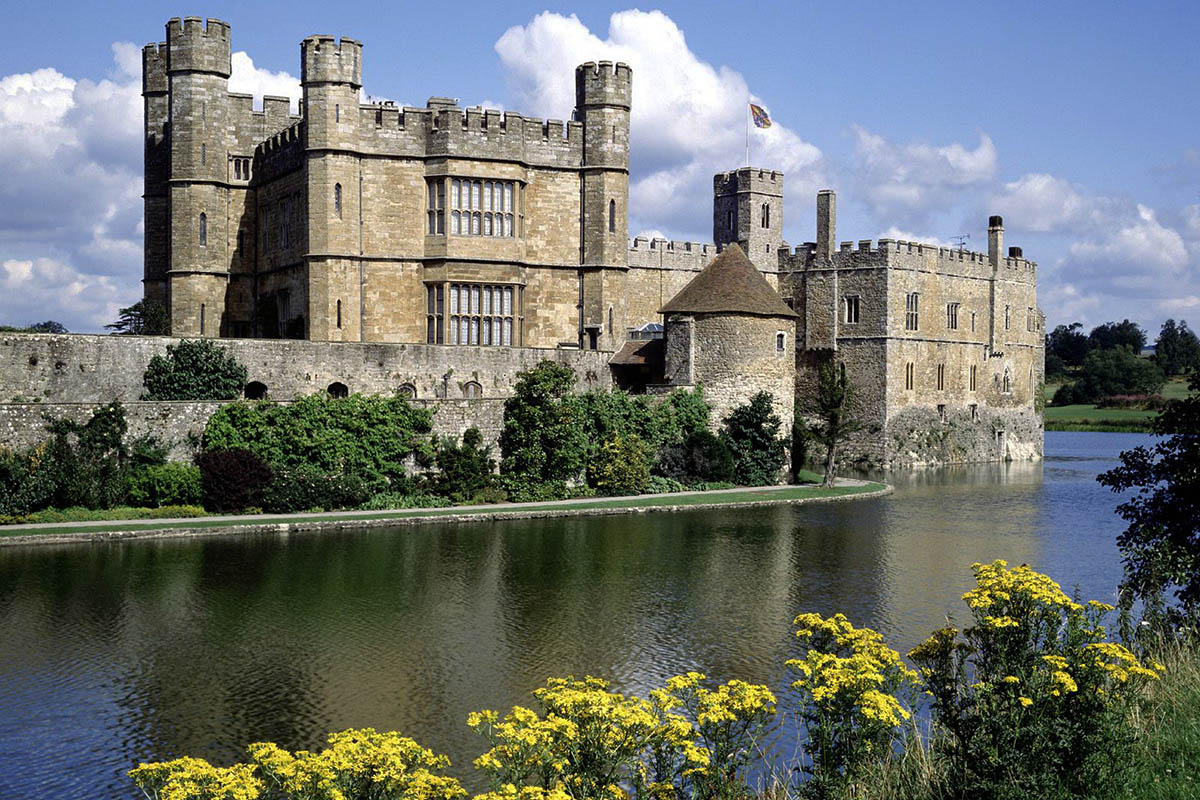 Discover London - Day Tours from London - Leeds Castle