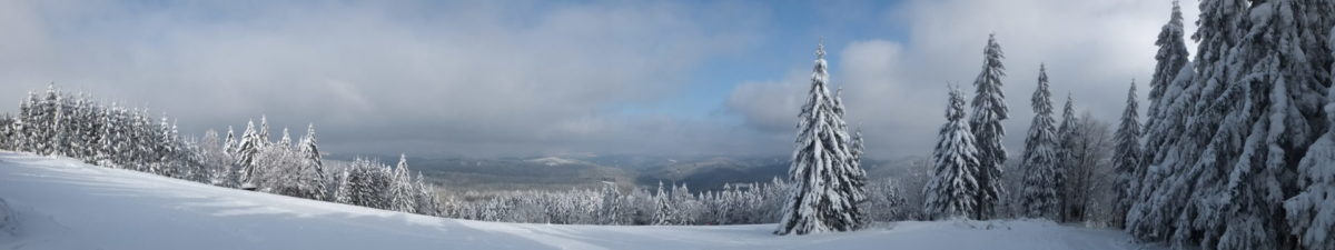 Cross-country skiing, Beskydy Cross Country Highway, Beskydy Mountains, North Moravia, Czech Republic